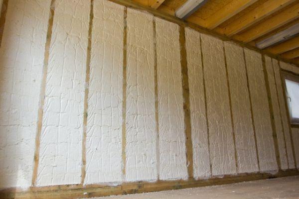 zateplení stěn s izolací Icynene