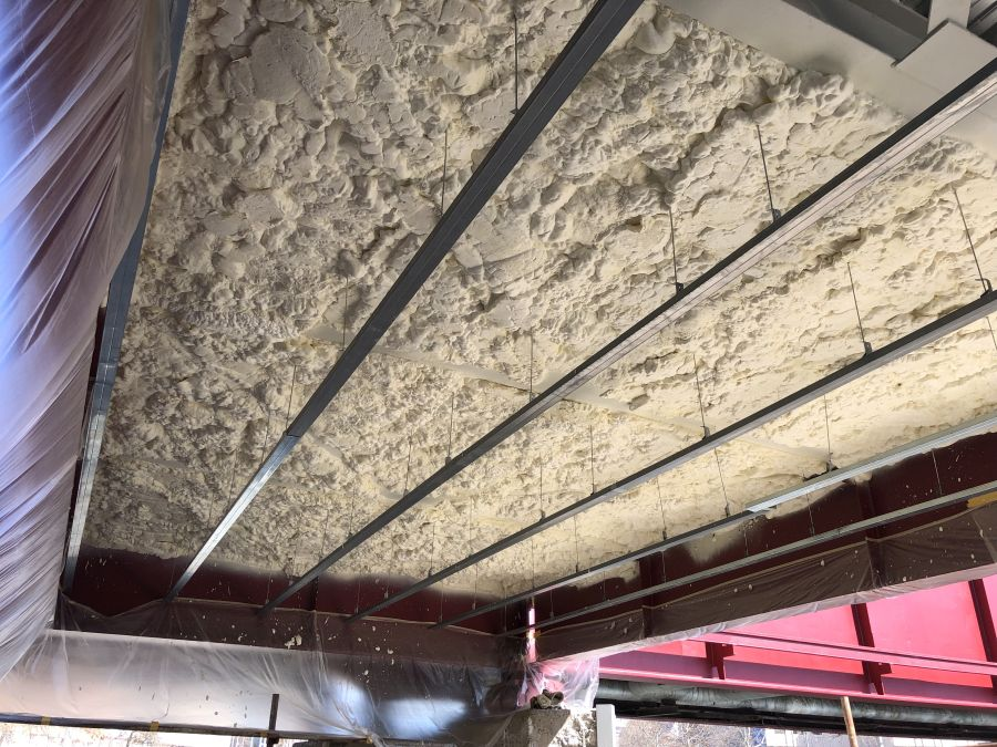 Zatepleni podlahy izolací Icynene na Náplavce v Plzni
