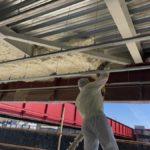Zateplení podlahy kavárny chytrou izolací Icynene