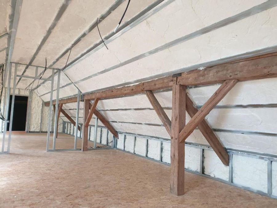 Zateplení podkroví izolací Icynene v Plzni