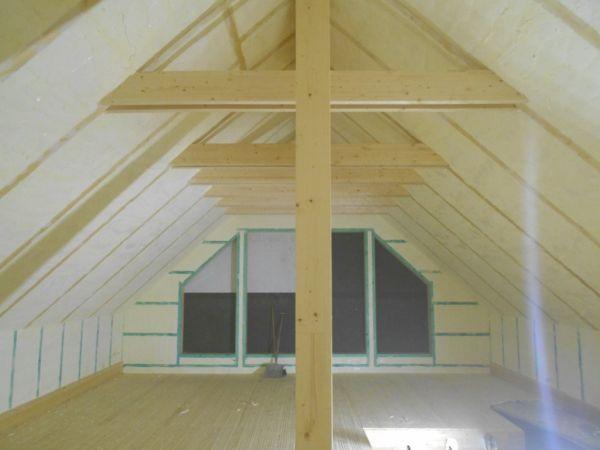Zateplení dřevostavby izolací ICYNENE