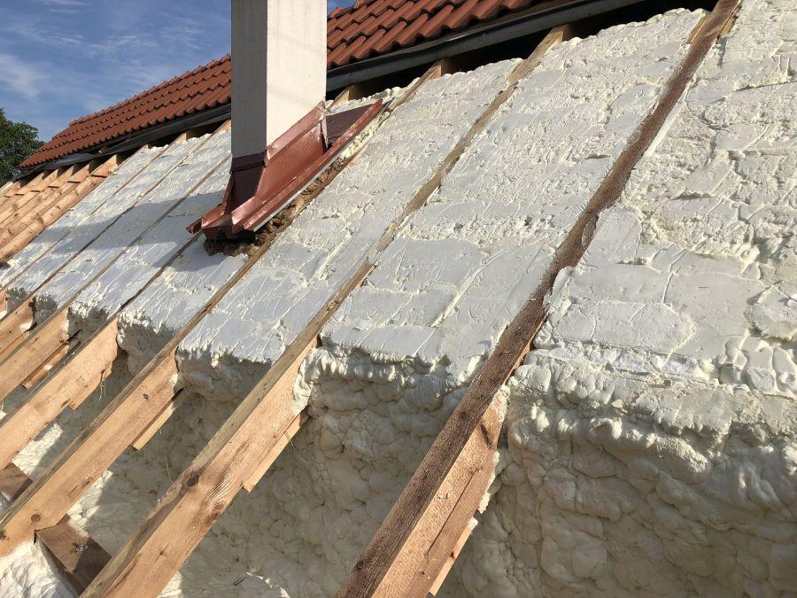 Chytrá volba zateplení pro vaši střechu. Aplikace shora