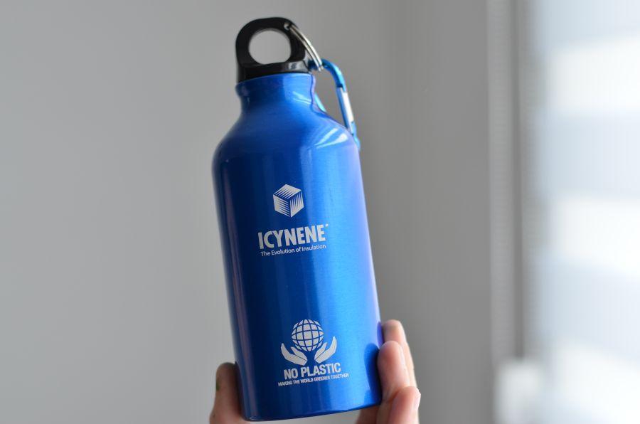 Soutěž o sportovní láhev na pití ICYNENE