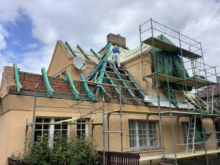 Zateplení střecha shora ICYNENE
