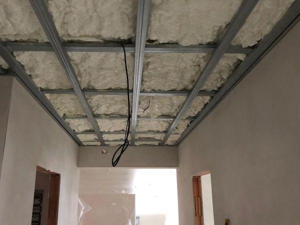 Zateplení stropů v novostavbě v Pocoucově